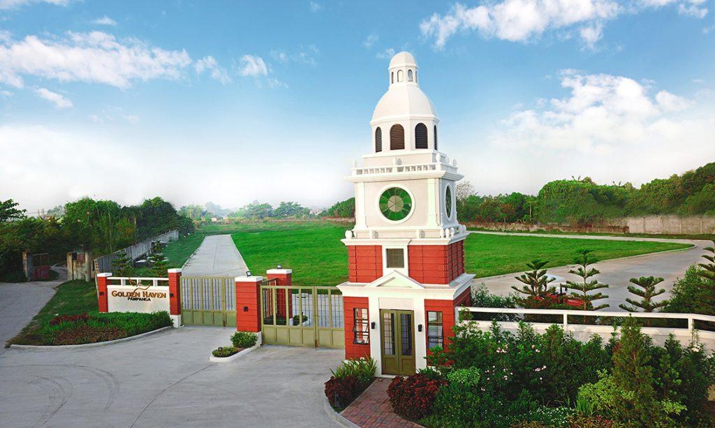 American Inspired Gate Memorial Park